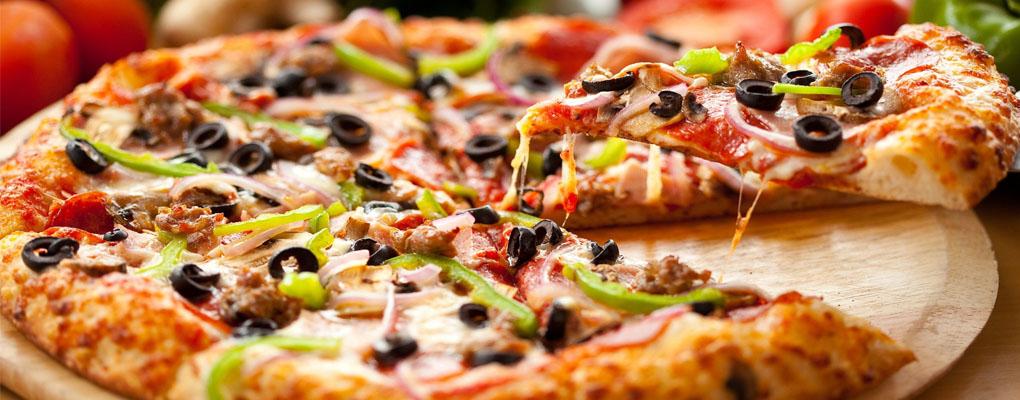 AKCIA: 1 XXL Pizza + 1 XXL Pizza za polovicu (4,50)